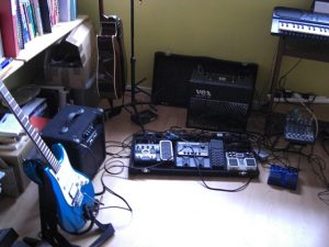 Guitar and pedals I use for Waveforms