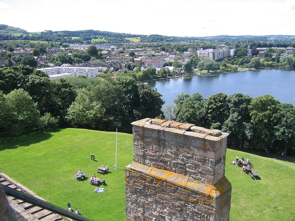 View of the town and loch of Linlithgow